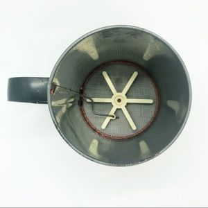 Vintage Kitchen - Vintage ANDROCK made in USA sugar sifter
